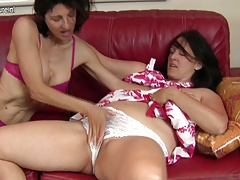 Mature lezzie  humps another unshaved