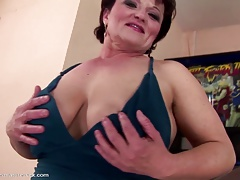 Mature mama gets youthfull girl's knuckle in her vagina