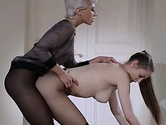 19yo sitter gets boink from string on