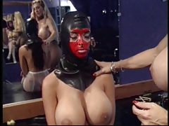 Domme munches slave's vulva and puts ass-fuck beads