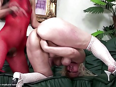 Mature mom fisted firm by  lezzy