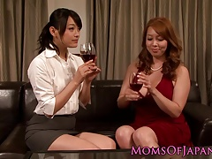 Chinese dykes pussylicking and fingering