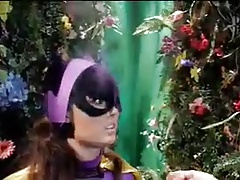 wonder gal and cat damsels arecaptureed by  gal