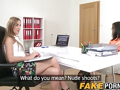 Spectacular audition model finger pulverized by girly-girl agent