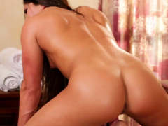 Glamour rubdown lezzies fingerblasting each other